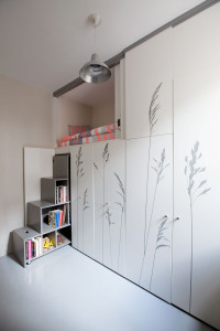 544efd02e58ecea3a00000d5_tiny-apartment-in-paris-kitoko-studio_img_9339
