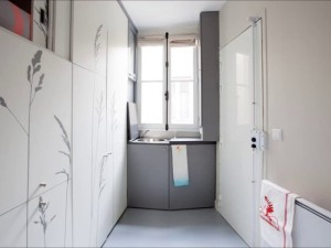 544f0341e58ece63a80000c5_tiny-apartment-in-paris-kitoko-studio_